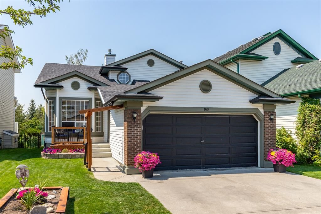 Main Photo: 169 Somerside Green SW in Calgary: Somerset Detached for sale : MLS®# A1131734