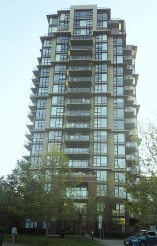 """Photo 1: 1002 11 E ROYAL Avenue in New Westminster: Fraserview NW Condo for sale in """"VICTORIA HILL HIGH RISE RESIDENCES"""" : MLS®# R2054794"""
