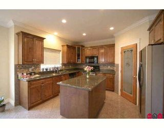 "Photo 4: 7971 PALMER Place in Chilliwack: Eastern Hillsides House for sale in ""ELK CREEK"" : MLS®# H2901259"