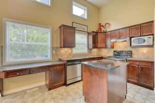 Photo 9: 301 Inglewood Grove SE in Calgary: Inglewood Row/Townhouse for sale : MLS®# A1118391