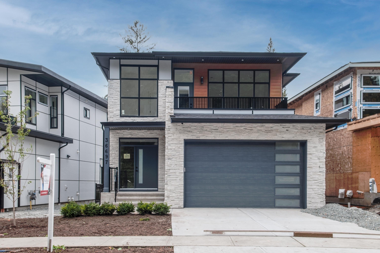 "Main Photo: 36697 DIANNE BROOK Avenue in Abbotsford: Abbotsford East House for sale in ""Dianne Brook Development"" : MLS®# R2616856"