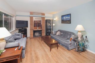 """Photo 3: 603 WESTVIEW Place in North Vancouver: Upper Lonsdale Townhouse for sale in """"Cypress Gardens"""" : MLS®# R2211101"""