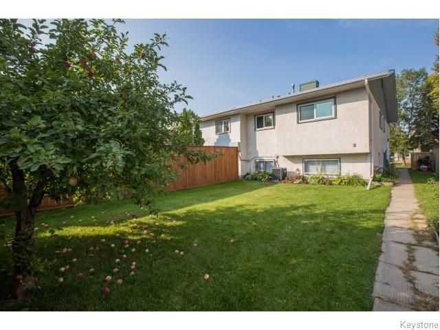 Photo 17: Photos: 9 Rillwillow Place in Winnipeg: Meadowood Residential for sale (2E)  : MLS®# 1623703