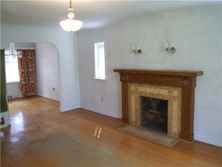 "Photo 3: 446 E 48TH Avenue in Vancouver: Fraser VE House for sale in ""FRASER"" (Vancouver East)  : MLS®# V948485"