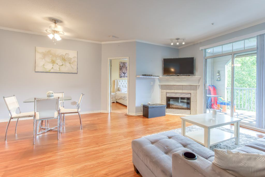 """Main Photo: 202 20897 57 Avenue in Langley: Langley City Condo for sale in """"Arbour Lane"""" : MLS®# R2490490"""