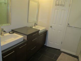 Photo 18: 145 HEARTHSTONE Road in Edmonton: Zone 14 Townhouse for sale : MLS®# E4219660