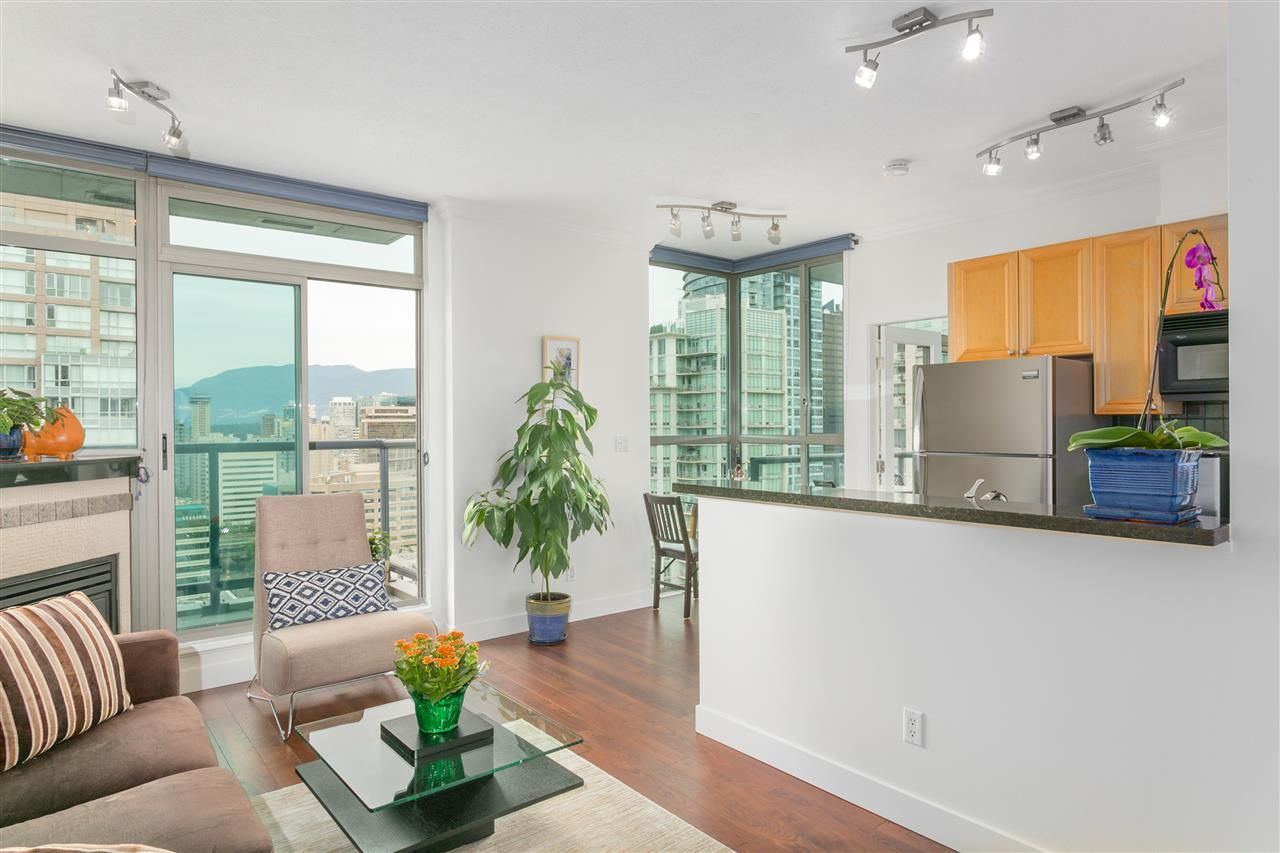 """Main Photo: 2601 928 RICHARDS Street in Vancouver: Yaletown Condo for sale in """"THE SAVOY"""" (Vancouver West)  : MLS®# R2288010"""