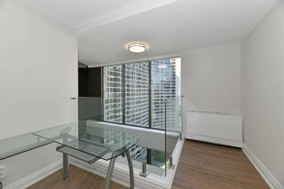 Photo 20: 2208 33 Harbour Square in Toronto: Waterfront Communities C1 Condo for lease (Toronto C01)  : MLS®# C5393126