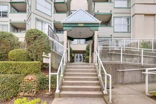 """Photo 1: 305 509 CARNARVON Street in New Westminster: Downtown NW Condo for sale in """"HILLSIDE PLACE"""" : MLS®# R2244471"""