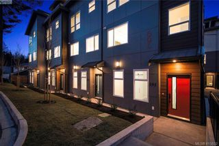 Photo 2: 105 694 Hoylake Ave in VICTORIA: La Thetis Heights Row/Townhouse for sale (Langford)  : MLS®# 824850
