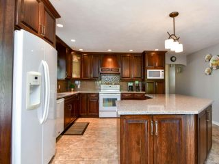 Photo 11: 1914 Fairway Dr in CAMPBELL RIVER: CR Campbell River West House for sale (Campbell River)  : MLS®# 823025