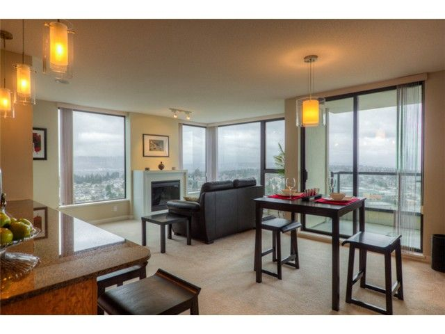 """Main Photo: 2303 7063 HALL Avenue in Burnaby: Highgate Condo for sale in """"Emerson"""" (Burnaby South)  : MLS®# V1048221"""