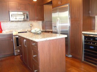 "Photo 11: 15367 Buena Vista Avenue Avenue in White Rock: Condo for sale in ""The ""PALMS"""""