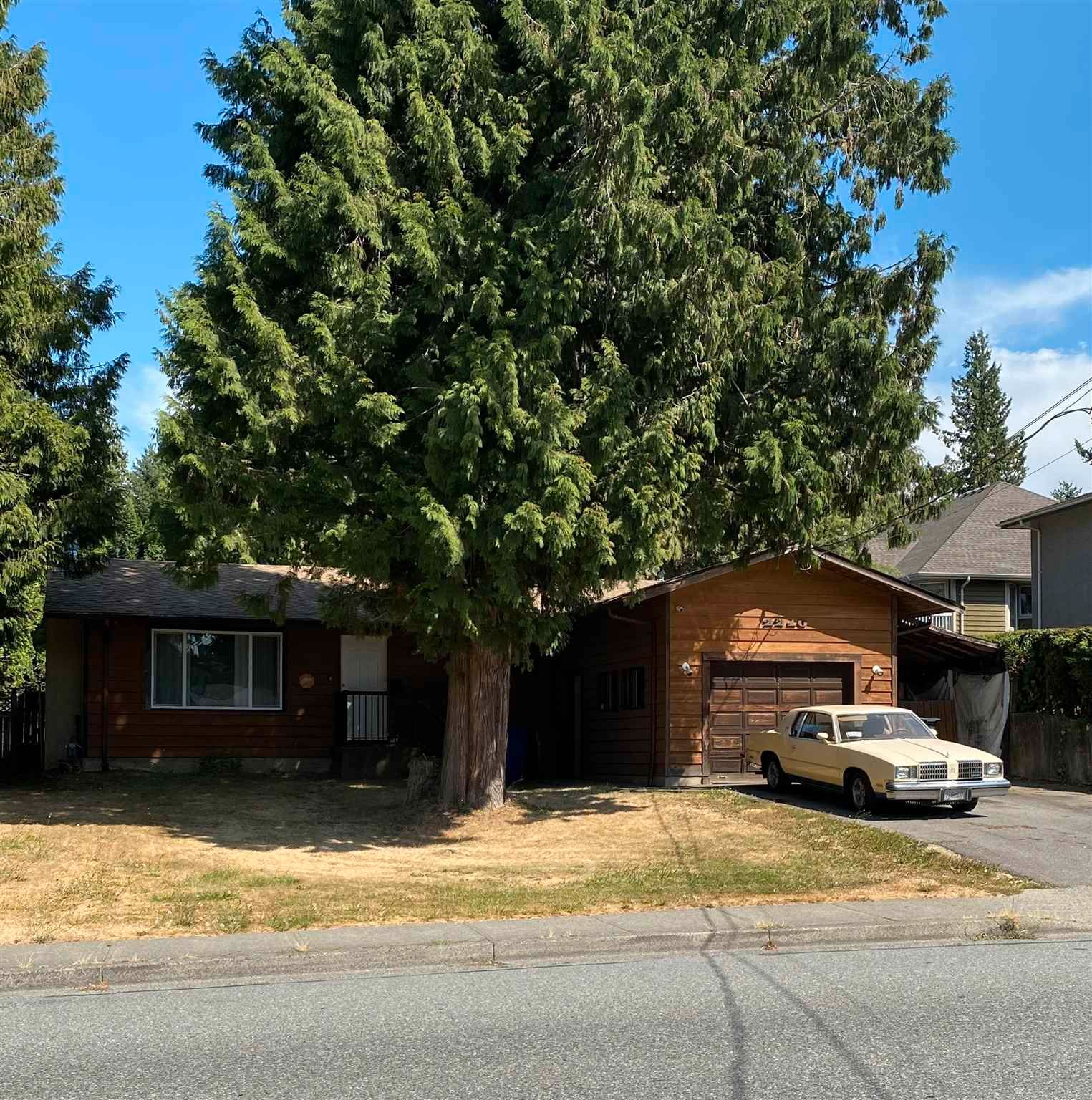 Main Photo: 2210 MCMILLAN Road in Abbotsford: Abbotsford East House for sale : MLS®# R2605604