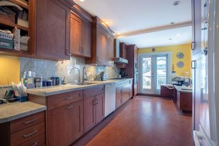 Photo 4: 3105 W 14TH Avenue in Vancouver: Kitsilano House for sale (Vancouver West)  : MLS®# R2340276