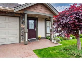 """Photo 1: 54 6887 SHEFFIELD Way in Chilliwack: Sardis East Vedder Rd Townhouse for sale in """"Parksfield"""" (Sardis)  : MLS®# R2580662"""