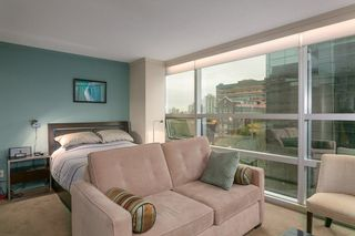 """Photo 2: 804 1050 BURRARD Street in Vancouver: Downtown VW Condo for sale in """"WALL CENTRE"""" (Vancouver West)  : MLS®# R2309129"""