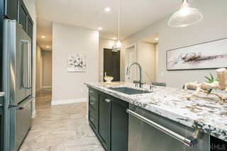 Photo 11: MISSION VALLEY Condo for sale : 3 bedrooms : 8434 Distinctive Drive in San Diego