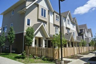 Photo 2: 13 13003 132 Avenue NW in Edmonton: Zone 01 Townhouse for sale : MLS®# E4220298