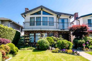 Photo 1: 6710 BROOKS Street in Vancouver: Killarney VE House for sale (Vancouver East)  : MLS®# R2372442