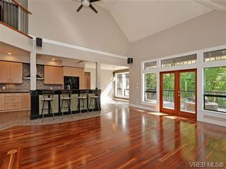 Photo 4: 108 Mills Cove in VICTORIA: VR Six Mile House for sale (View Royal)  : MLS®# 721999
