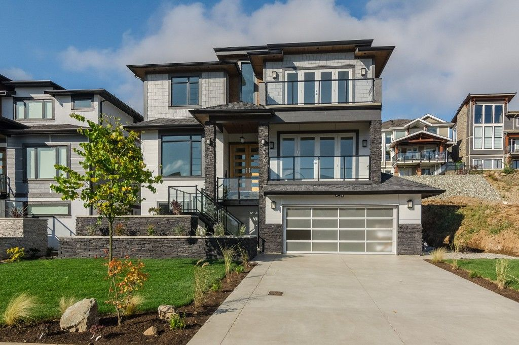 Main Photo: 2699 Eagle Peak Drive in Abbotsford: Abbotsford East House for rent