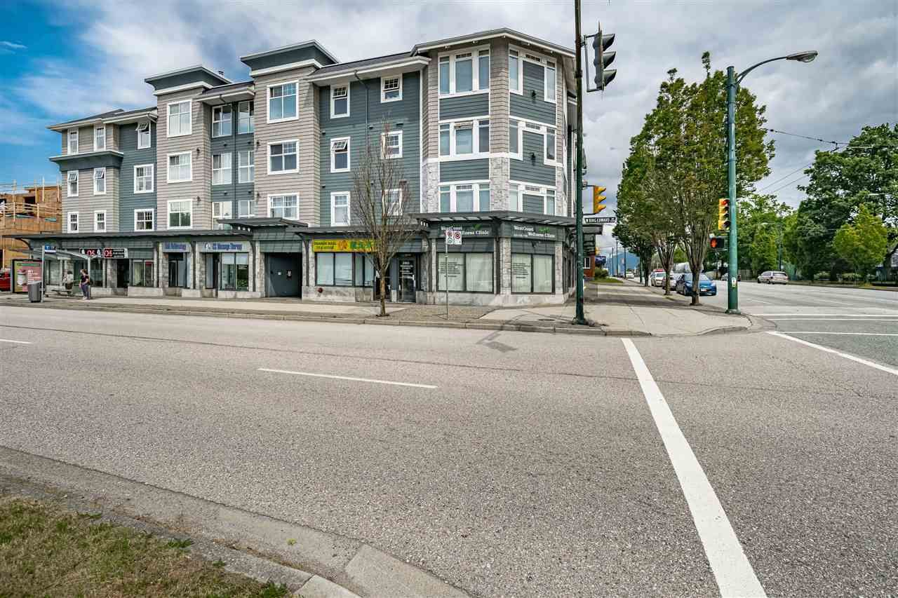 """Main Photo: 205 1011 W KING EDWARD Avenue in Vancouver: Shaughnessy Condo for sale in """"Lord Shaughessy"""" (Vancouver West)  : MLS®# R2473523"""