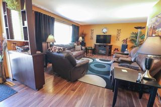 Photo 3: 62 Malden Close in Winnipeg: Maples Residential for sale (4H)  : MLS®# 202106019