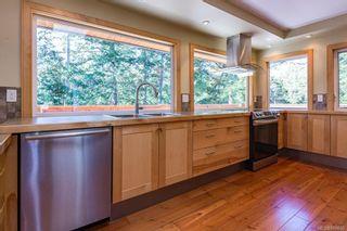 Photo 2: 797 Lazo Rd in : CV Comox Peninsula House for sale (Comox Valley)  : MLS®# 869860