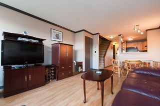 """Photo 1: 25 1345 W 4TH Avenue in Vancouver: False Creek Townhouse for sale in """"GRANVILLE ISLAND VILLAGE"""" (Vancouver West)  : MLS®# V994255"""