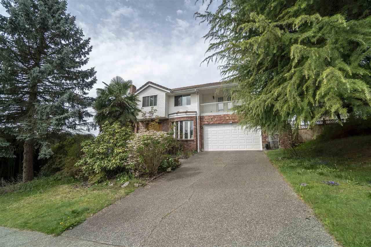 Main Photo: 1318 HONEYSUCKLE LANE in Coquitlam: Summitt View House for sale : MLS®# R2360648