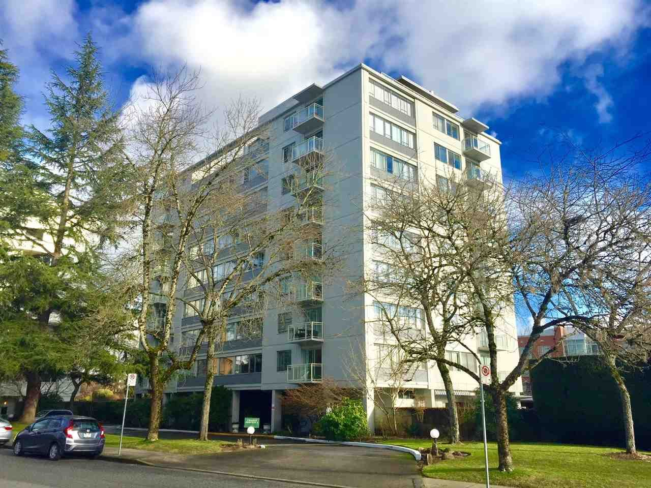 """Main Photo: 104 6076 TISDALL Street in Vancouver: Oakridge VW Condo for sale in """"THE MANSION HOUSES ESTATES LTD"""" (Vancouver West)  : MLS®# R2230391"""