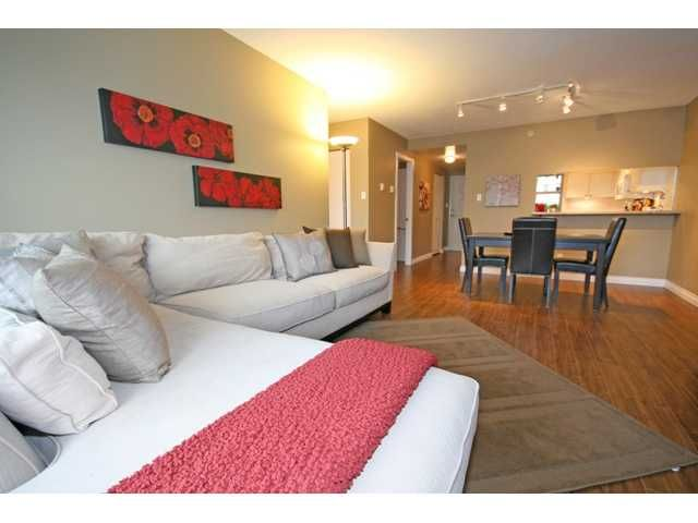 """Photo 2: Photos: 514 555 ABBOTT Street in Vancouver: Downtown VW Condo for sale in """"PARIS PLACE"""" (Vancouver West)  : MLS®# V890587"""