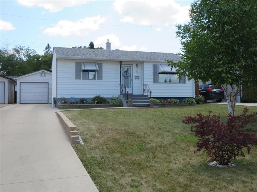 781 +/- sq.ft Bungalow & 50' wide lot