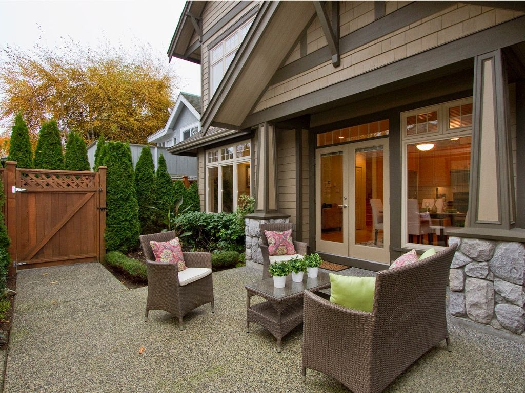 Main Photo: 1961 WHYTE Avenue in Vancouver: Kitsilano 1/2 Duplex for sale (Vancouver West)  : MLS®# V920180