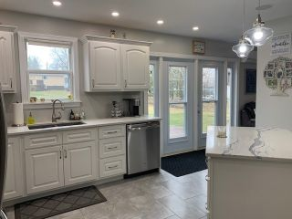 Photo 3: 6 Smith Avenue in Springhill: 102S-South Of Hwy 104, Parrsboro and area Residential for sale (Northern Region)  : MLS®# 202108282