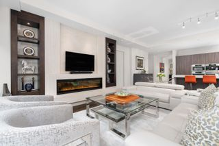 Photo 10: 202 181 ATHLETES Way in Vancouver: False Creek Condo for sale (Vancouver West)  : MLS®# R2615013