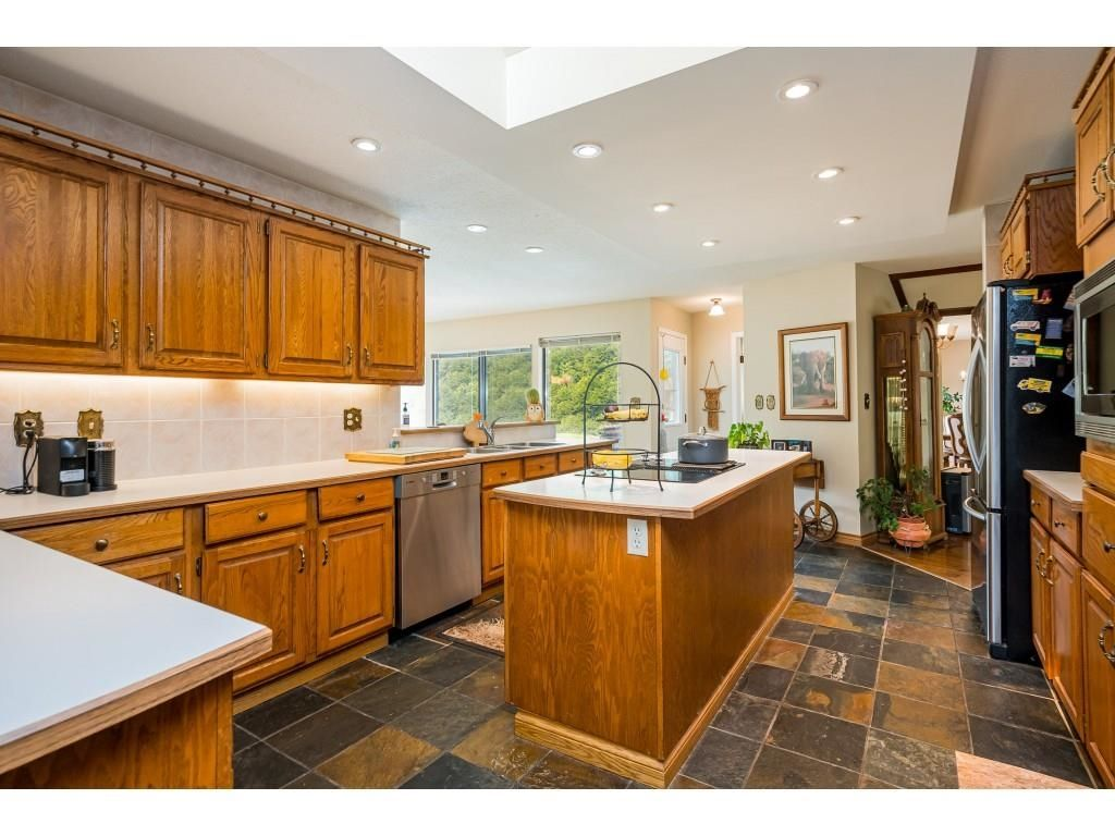 Photo 11: Photos: 21480 18 Avenue in Langley: Campbell Valley House for sale : MLS®# R2616707