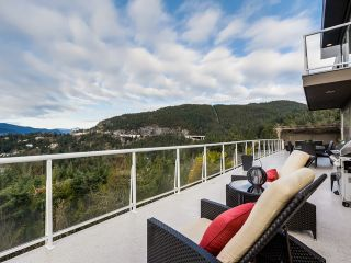 Photo 2: 5532 WESTHAVEN Road in West Vancouver: Eagle Harbour House for sale : MLS®# R2023725