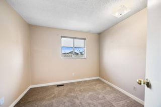 Photo 12: 120 Martinbrook Road NE in Calgary: Martindale Detached for sale : MLS®# A1113163