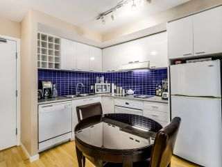 "Photo 2: 1209 131 REGIMENT Square in Vancouver: Downtown VW Condo for sale in ""SPECTRUM 3"" (Vancouver West)  : MLS®# R2029001"