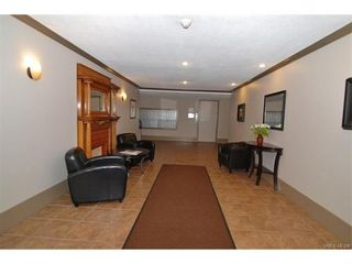 Photo 13: 406 2100 Granite St in VICTORIA: OB South Oak Bay Condo for sale (Oak Bay)  : MLS®# 747533