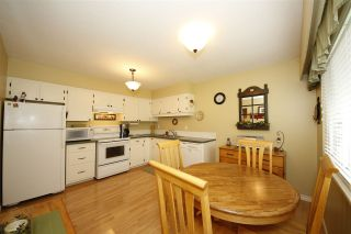 Photo 3: 40401 PERTH Drive in Squamish: Garibaldi Highlands House for sale : MLS®# R2131584