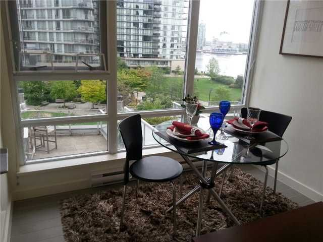 Photo 7: Photos: : Condo for sale : MLS®# V1085782