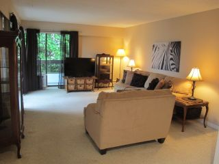 """Photo 3: 302 7180 LINDEN Avenue in Burnaby: Highgate Condo for sale in """"LINDEN HOUSE"""" (Burnaby South)  : MLS®# R2177989"""