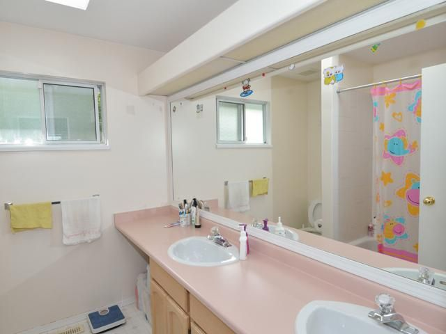 Photo 11: Photos: 284 BALBOA CT in Coquitlam: Cape Horn House for sale : MLS®# V1012990