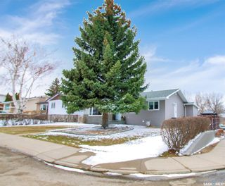 Photo 2: 294 Burke Crescent in Swift Current: South West SC Residential for sale : MLS®# SK849988