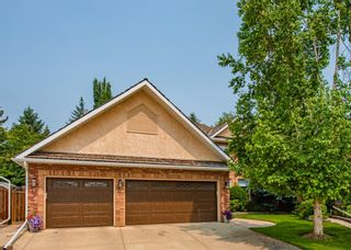 Photo 2: 519 Woodhaven Bay SW in Calgary: Woodbine Detached for sale : MLS®# A1130696