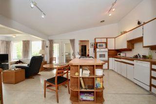 Photo 11: 948 EDEN Crescent in Delta: Tsawwassen East House for sale (Tsawwassen)  : MLS®# R2552284