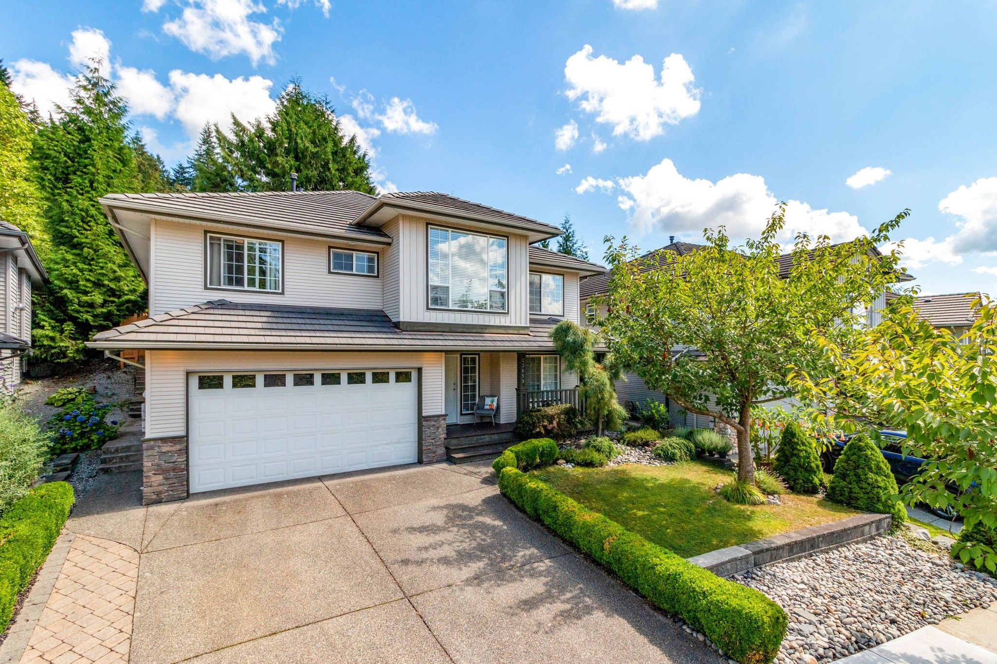 Main Photo: 23659 ROCK RIDGE Drive in Maple Ridge: Silver Valley House for sale : MLS®# R2491358